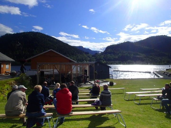 Dorffest in Kviteseid mit Konzert